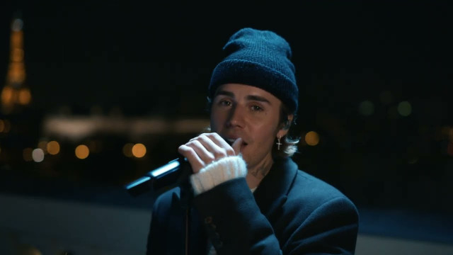 2 Much (Live from Paris) - Justin Bieber