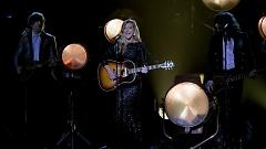 Gentle On My Mind (48th Annual CMA Awards 2014) - The Band Perry