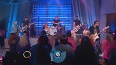 Still Into You (Live On The Queen Latifah Show) - Paramore