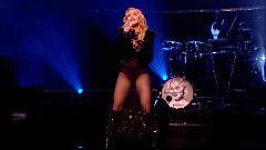 Ghosttown (Live At The Jonathan Ross Show 2015) - Madonna
