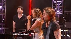 Diamond/ Locked Out Of Heaven (American Idol 2015) - Jennifer Lopez, Harry Connick, Jr, Keith Urban