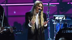Issues (2017 Billboard Music Awards) - Julia Michaels