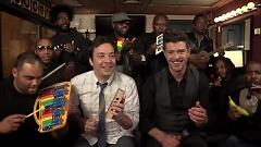 Blurred Lines - Jimmy Fallon, Robin Thicke, The Roots