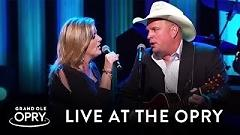 Golden Ring (Live At The Grand Ole Opry) - Garth Brooks, Trisha Yearwood