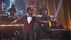 The Man (Live At Queen Latifah Show) - Aloe Blacc