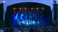 Shuffle (Live At T In The Park 2014) - Bombay Bicycle Club